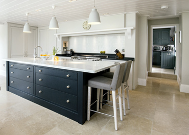 Classic English Kitchens